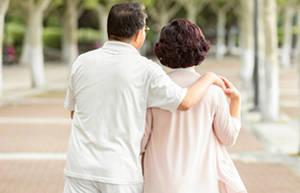走路是中老年的最佳运动