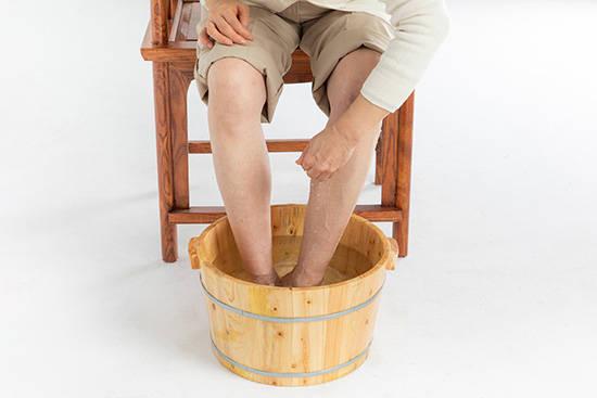 双脚老化应该注意的几个问题