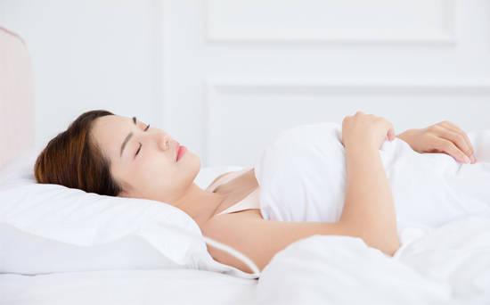 睡觉时枕头的高度多少为宜