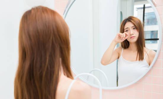 晨起照镜子可判断自己的健康状况?