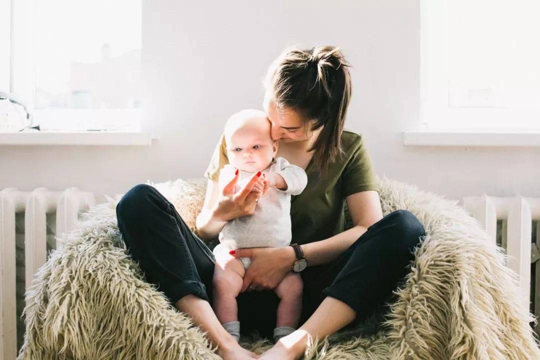 妈妈的焦虑情绪对宝宝的影响