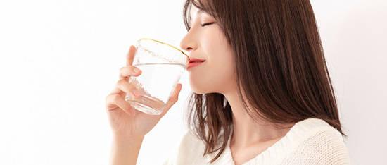 多喝水维持健康