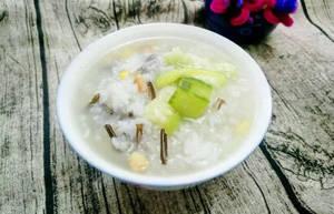 夏季养生饮食:丝瓜肉丝粥