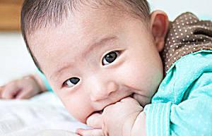 父母应当怎样关注小宝宝的视力发育