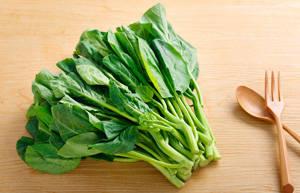 菠菜的中医功效作用及食用注意事项