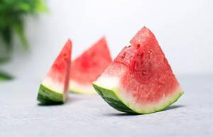 隔夜的西瓜能吃吗?怎样吃瓜更安全?