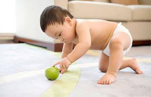 怎样给小宝宝健康的吃水果?