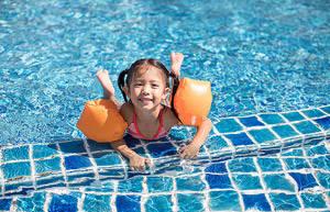 小孩每天游泳好不好?