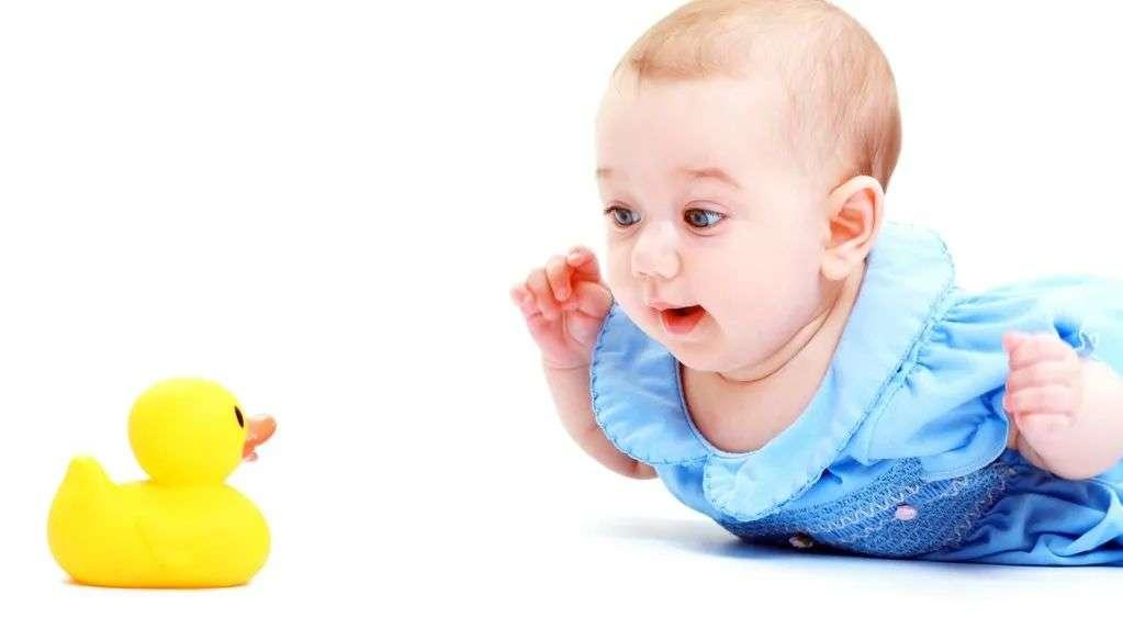锻炼小宝宝手眼协调能力