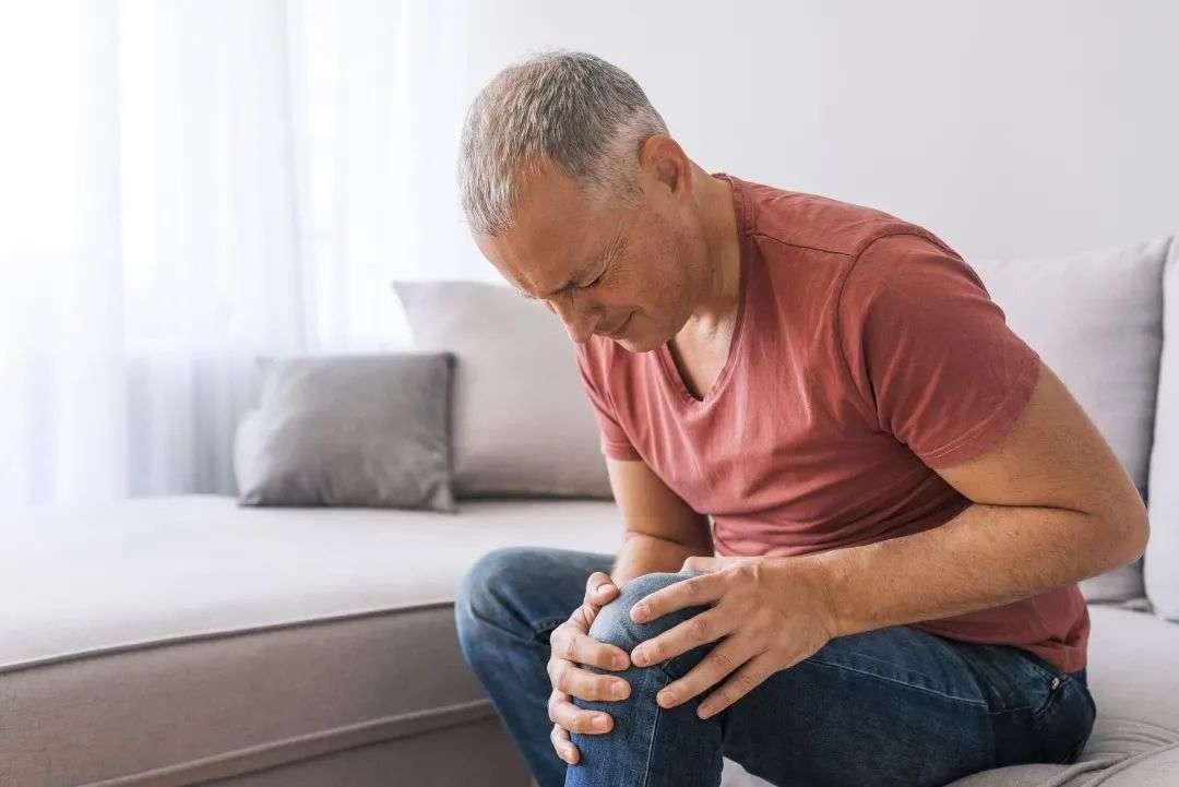膝关节积液是什么