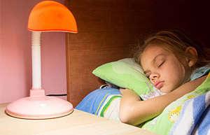 晚上睡觉不关灯有哪些危害