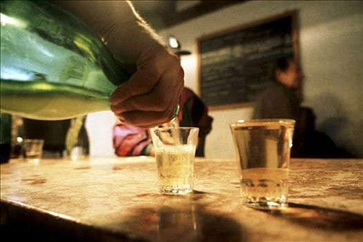 喝酒要注意什么才能尽量避免引起肝硬化