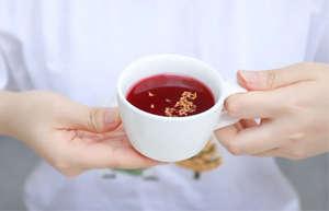 燥热的盛夏,适合来一杯生津止渴的酸梅汤