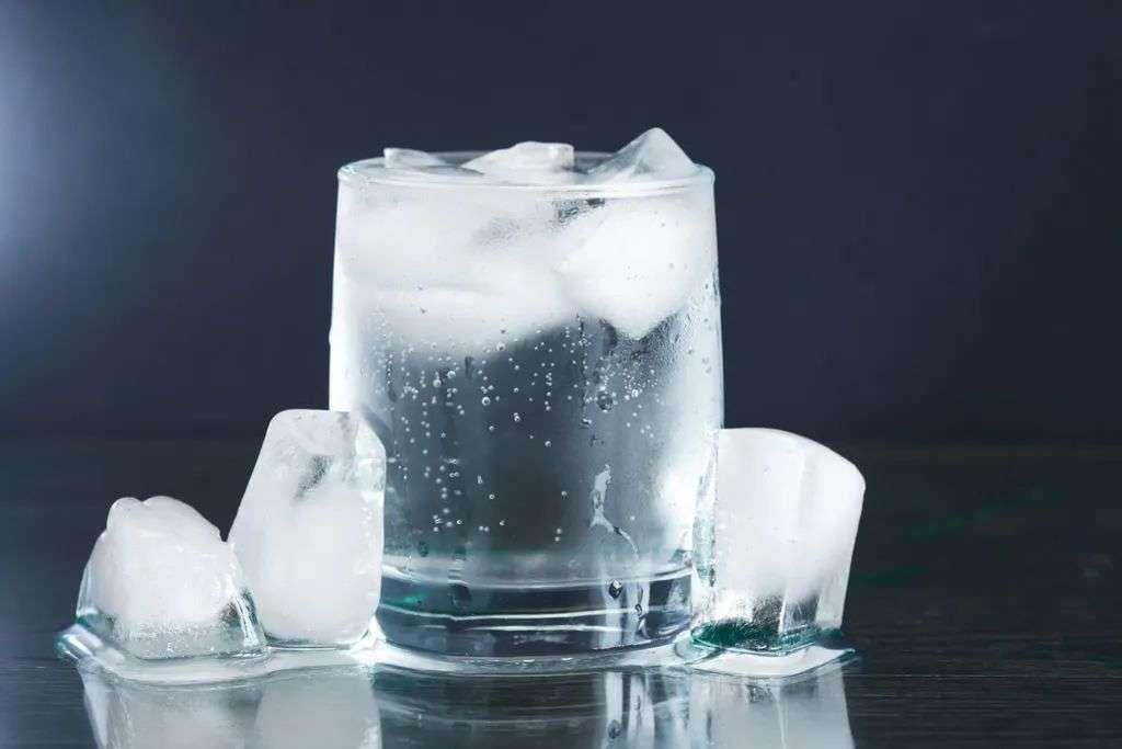 不要过量喝冷饮