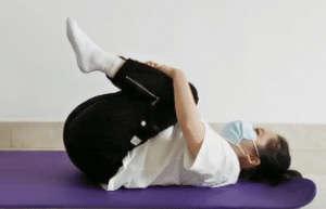 饭后肚子胀,不消化?3个动作助你消除胀气!