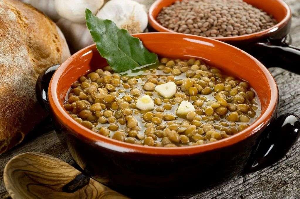 用砂锅煮绿豆
