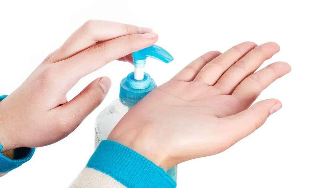 公厕里的洗手液