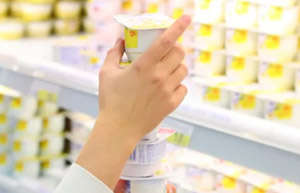 早上吃水果,晚上喝酸奶,身体更健康