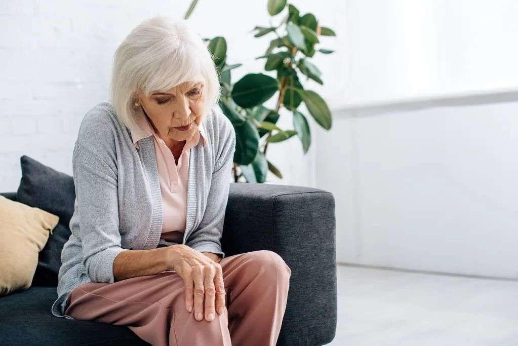 老年人膝关节炎