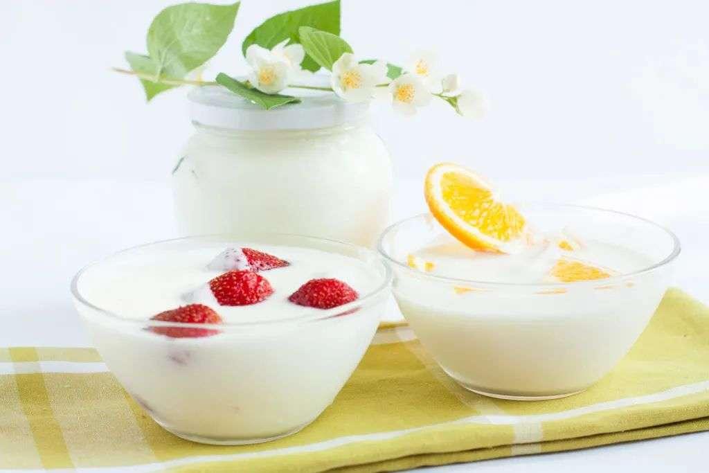 水果和酸奶