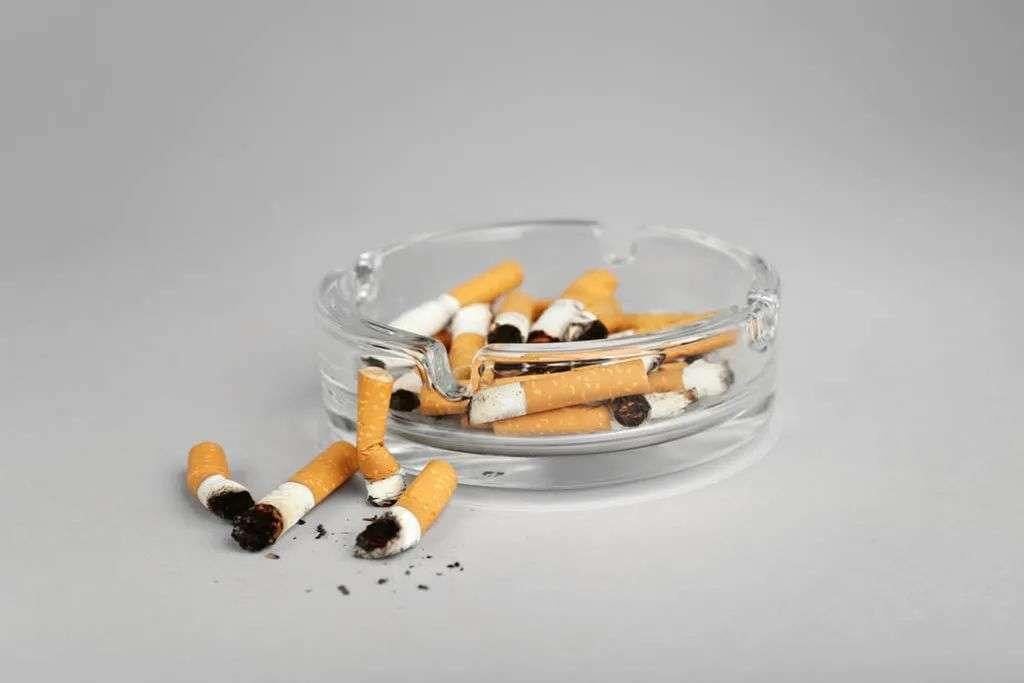 抽烟太多易中风